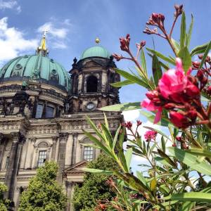 Berliner dom, what a beautiful day!